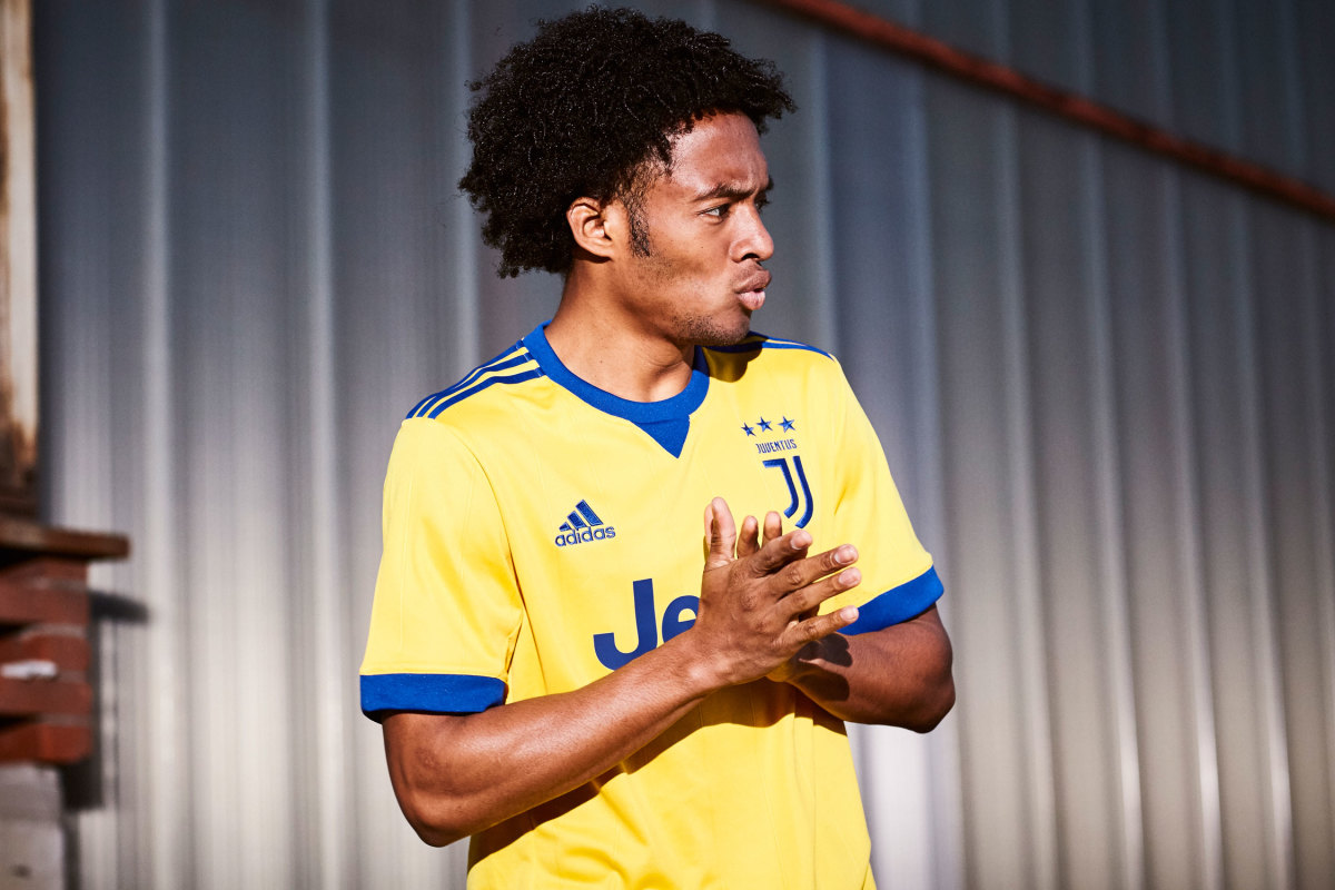 Juan-Cuadrado-Juventus-Away-Kit.jpg