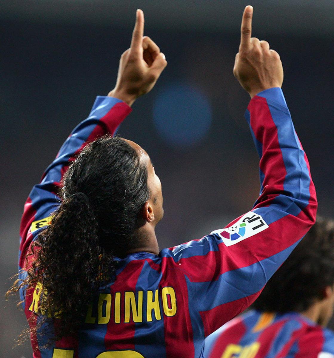 2005-FC-Barcelona-Ronaldinho.jpg