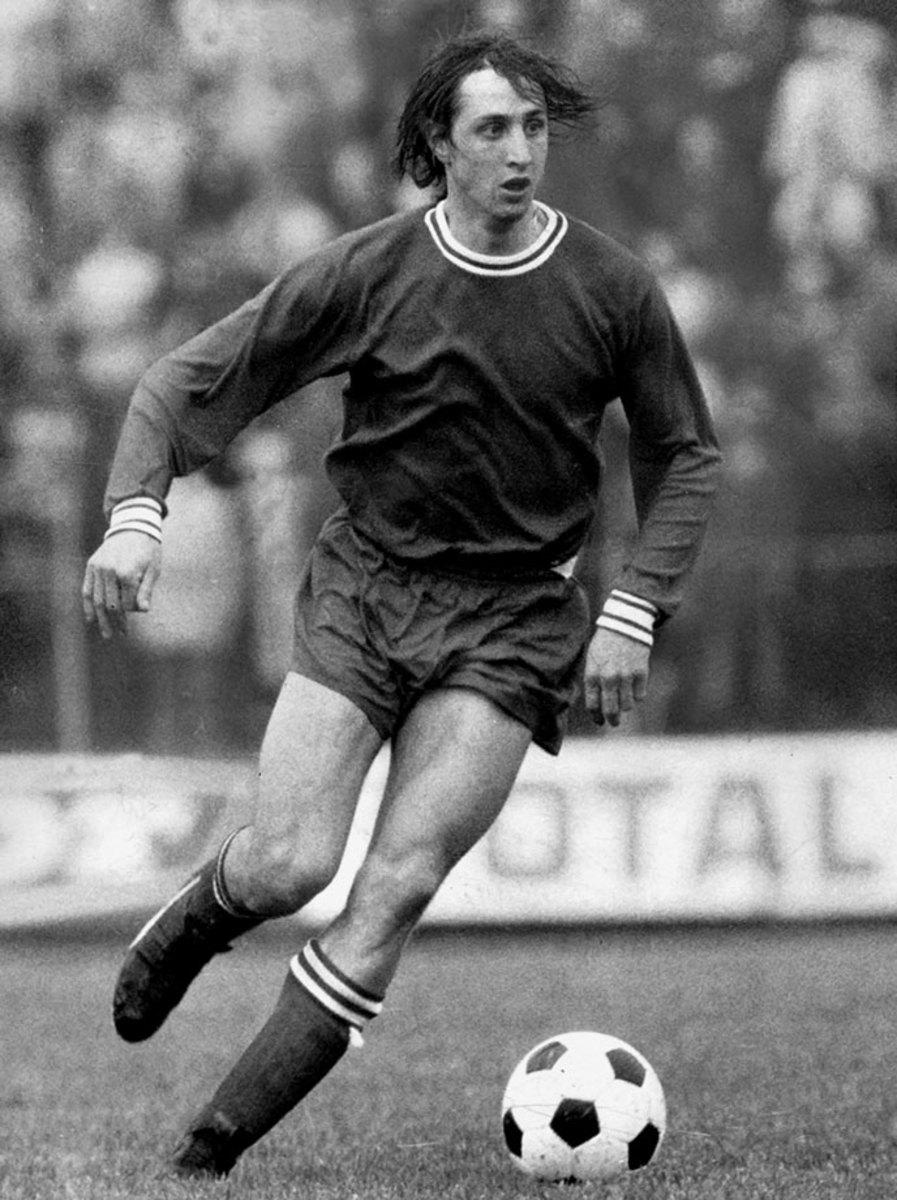 1974-FC-Barcelona-Johan-Cruyff.jpg