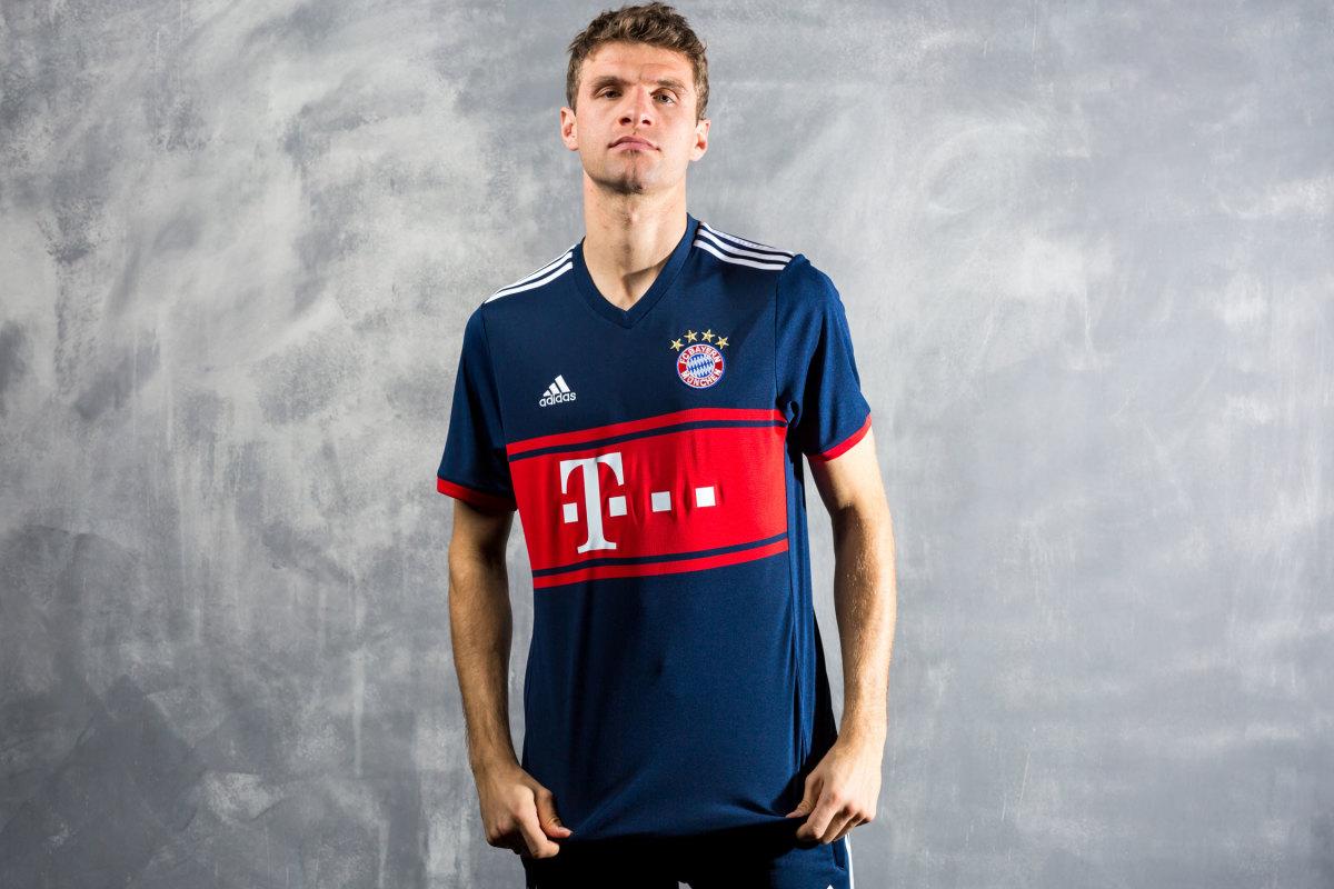 Bayern-Away-Kit.jpg