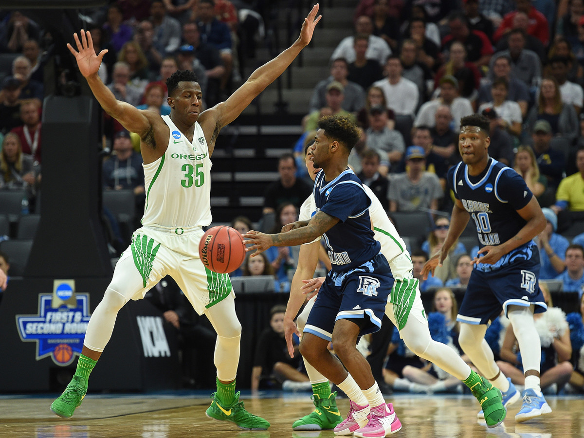 Bigby-Williams (35) averaged nearly 10 minutes a game for last year's Oregon team that reached the Final Four.