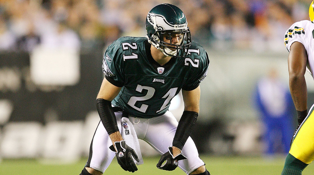 Eagles CB Dustin Fox lines up against the Packers.