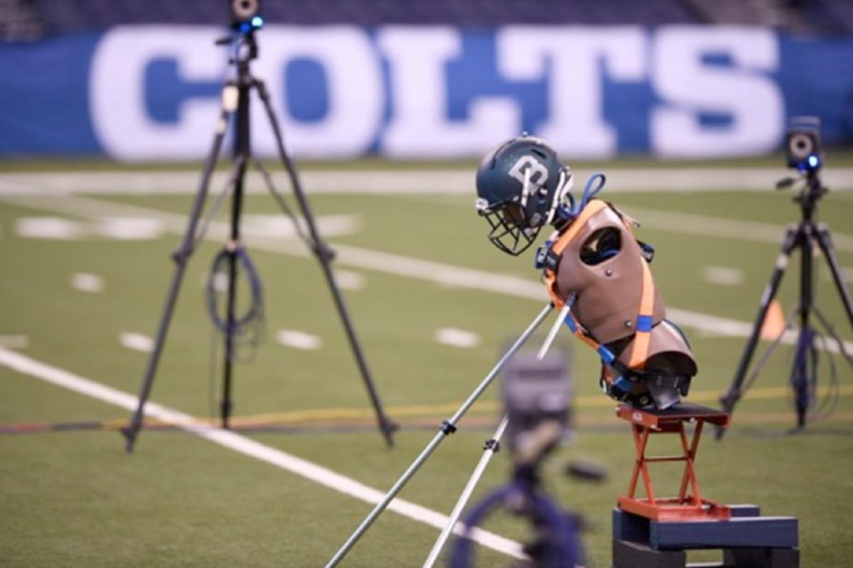 helmets-lucas-oil-stadium-tests-650-433.png