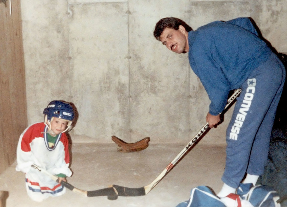 1990-Sidney-Crosby-father-Troy.jpg