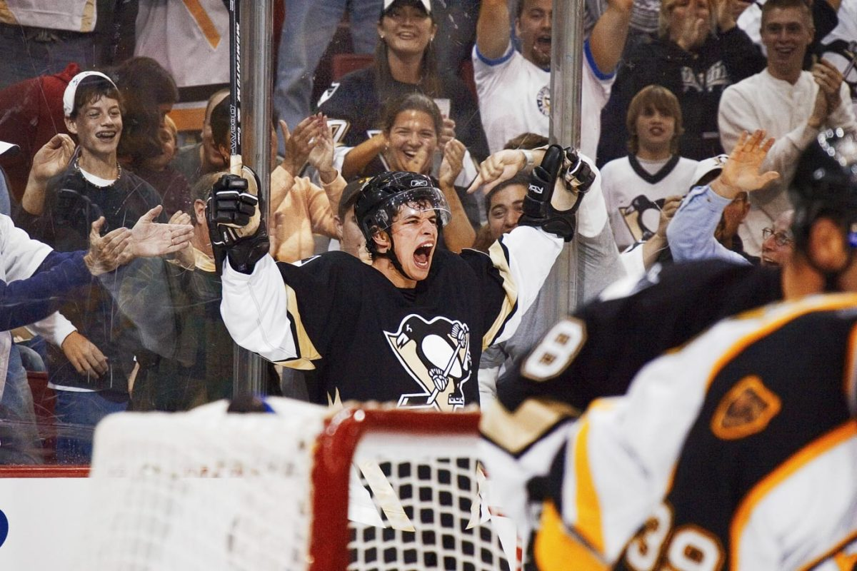 2005-Sidney-Crosby-first-nhl-goal-014286147final.jpg