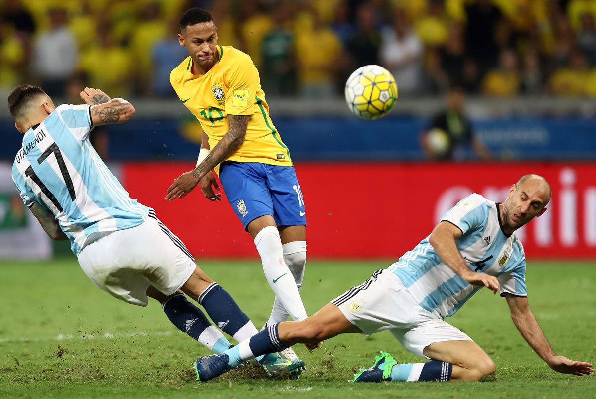 2016-1110-Neymar-Nicolas-Otamendi-Pablo-Zabaleta.jpg