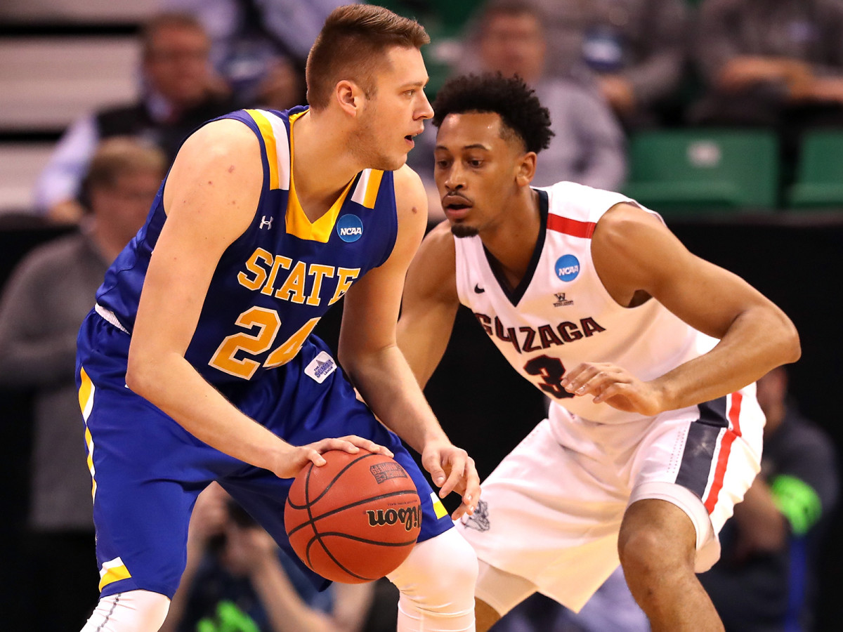 Mike Daum powered South Dakota State to a Summit League title and a 16-seed in last year's tournament.