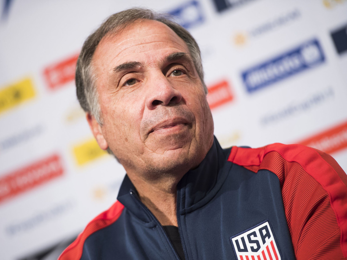 bruce-arena-gold-cup.jpg
