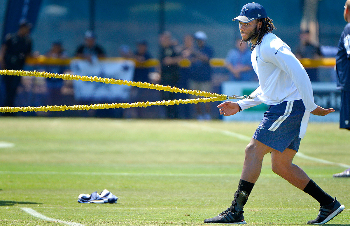 Cowboys linebacker Jaylon Smith is still recovering from the serious knee injury he suffered in his final collegiate game at Notre Dame.