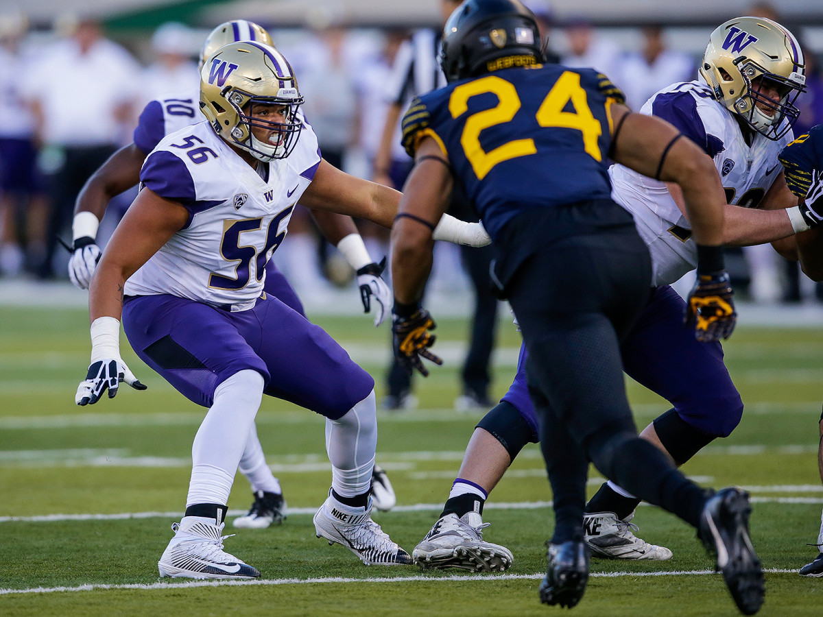After starting on Washington's line as a 270-pound true freshman, Nick Harris has bulked up and grown from his trial by fire.
