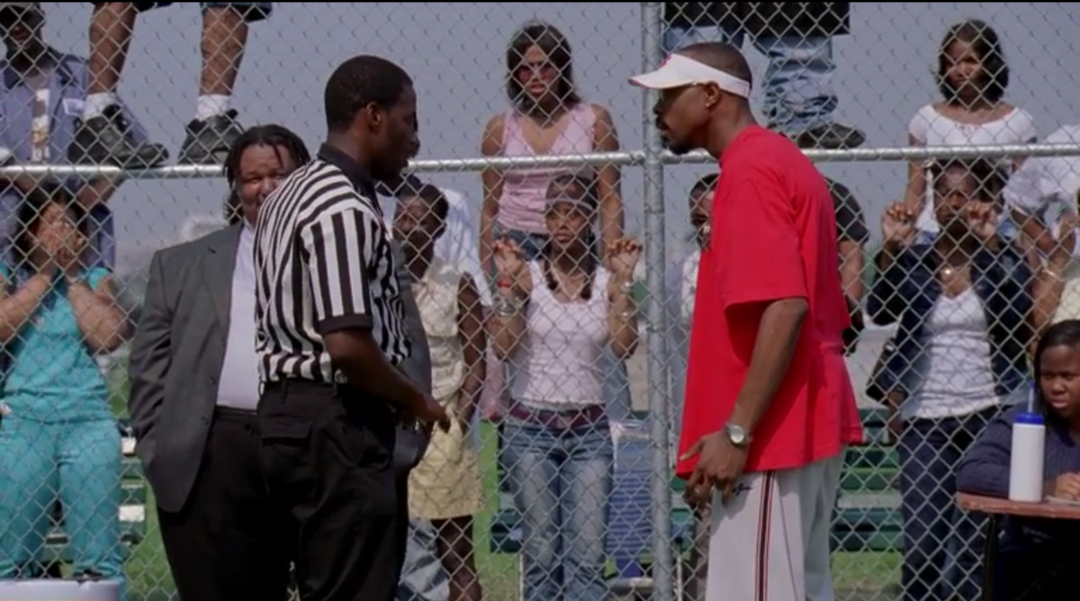 avon-barksdale-ref-basketball-game.png