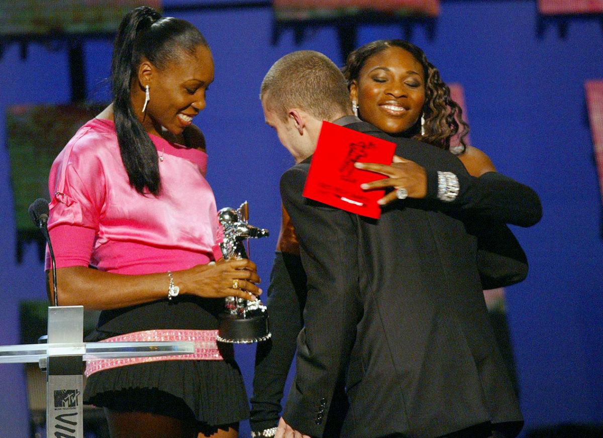 2003-0829-Venus-Serena-Williams-Justin-Timberlake.jpg