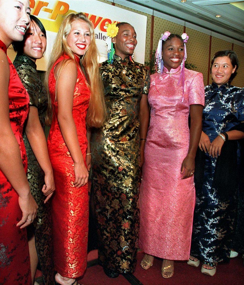 1999-0106-Anna-Kournikova-Venus-Serena-Williams.jpg