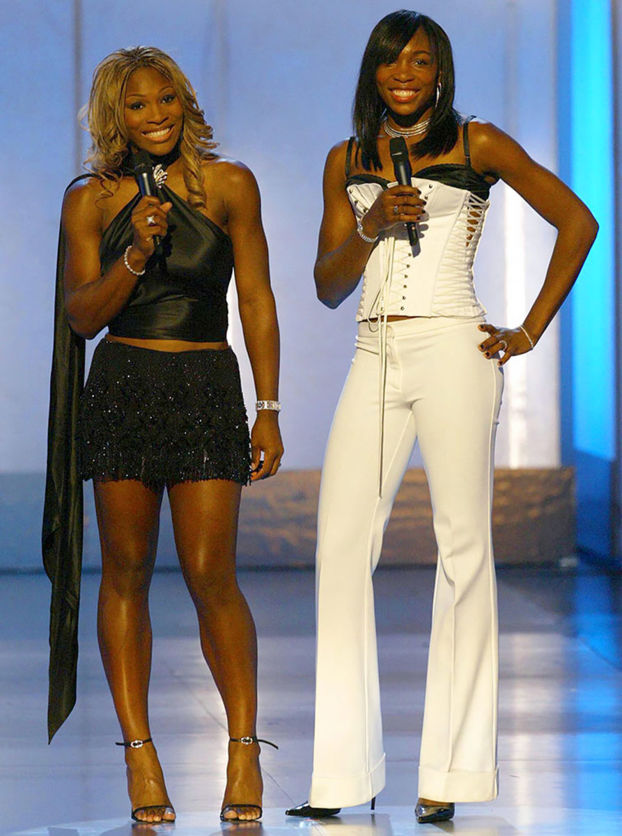 2002-1015-Serena-Venus-Williams.jpg