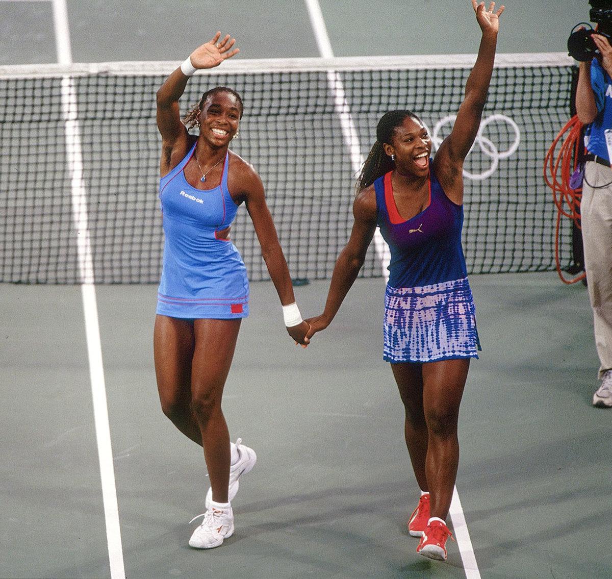 2000-0928-Venus-Serena-Williams-001045436.jpg