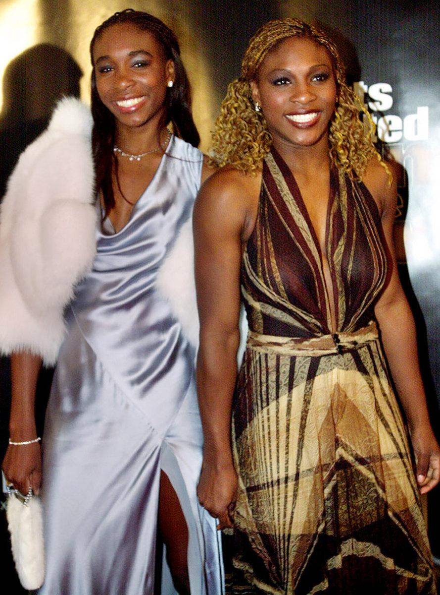 2000-1212-Venus-Serena-Williams.jpg