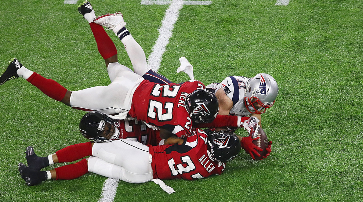 julian-edelman-falcons-patriots.jpg