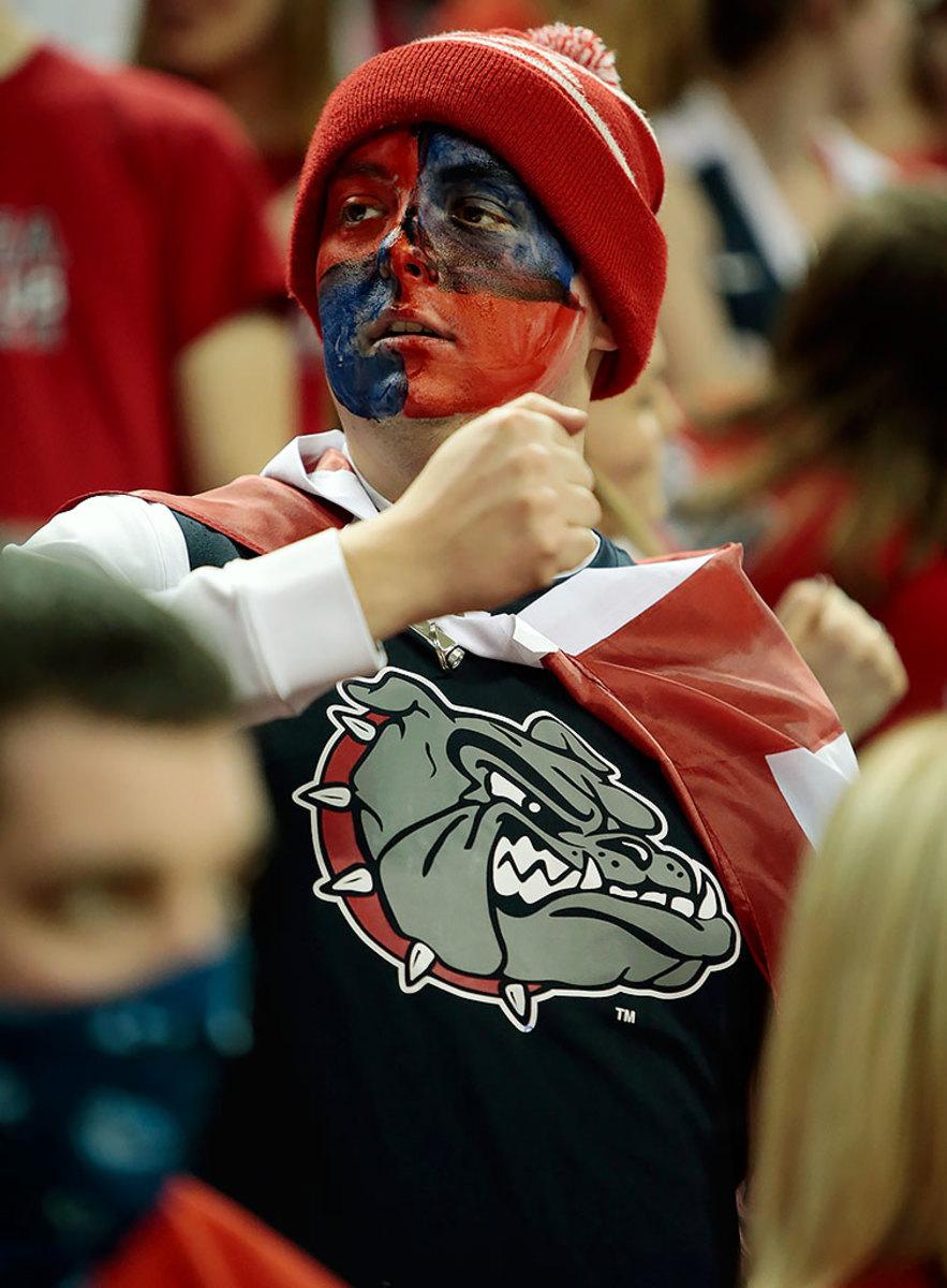 Gonzaga-Bulldogs-fans-632808872.jpg