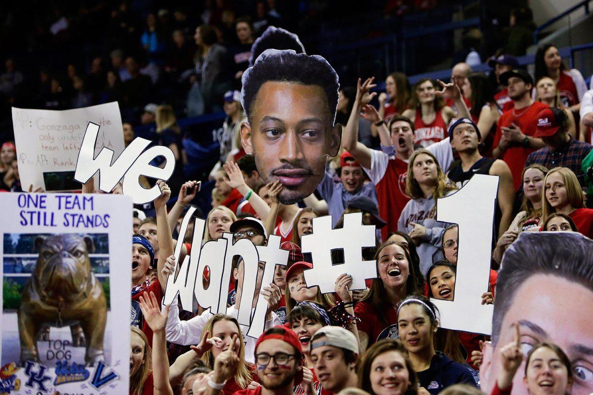 Gonzaga-Bulldogs-fans-b2c64c8e12af4af4b5de5fd84faa04cc-0.jpg