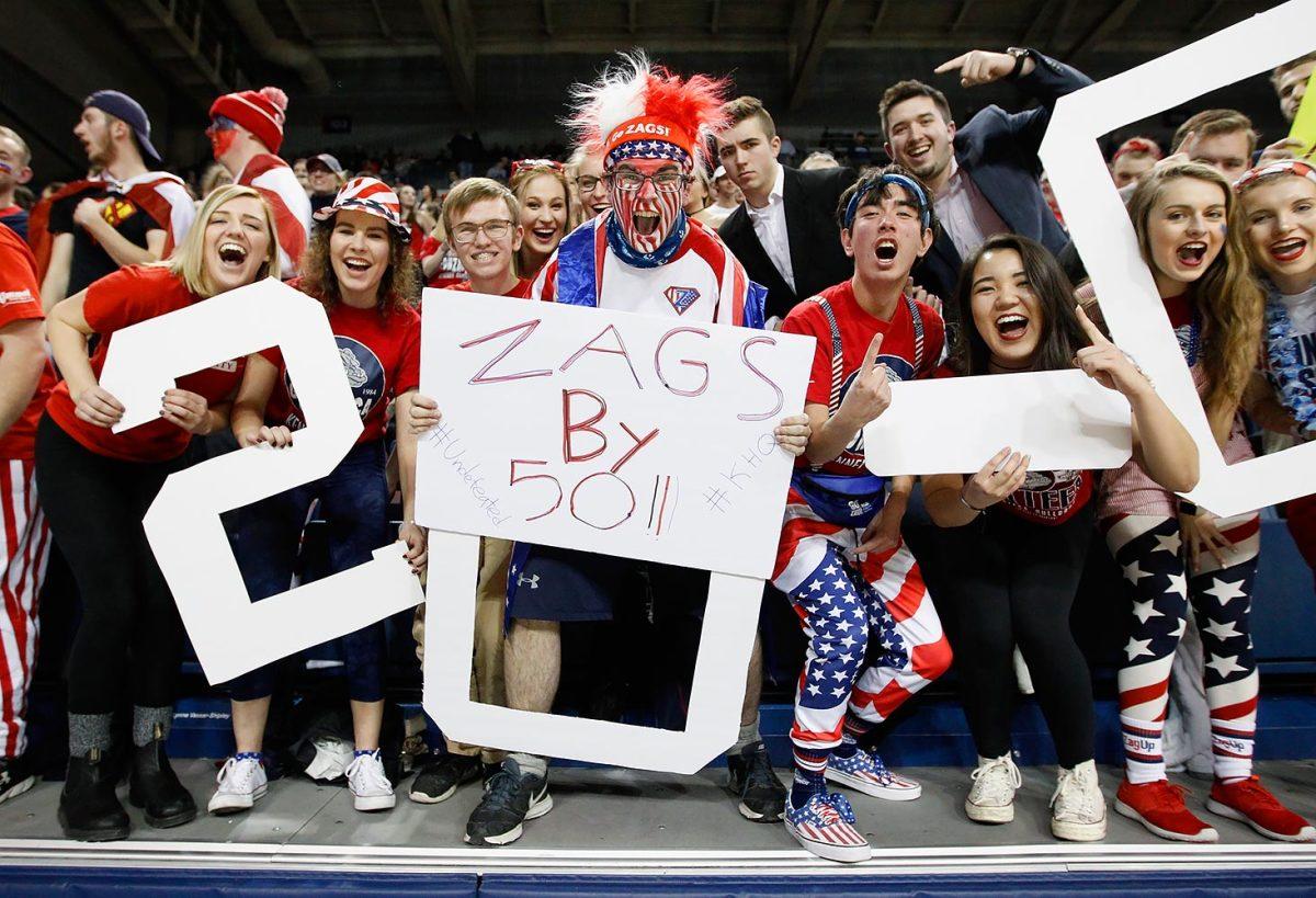 Gonzaga-Bulldogs-fans-632808862.jpg