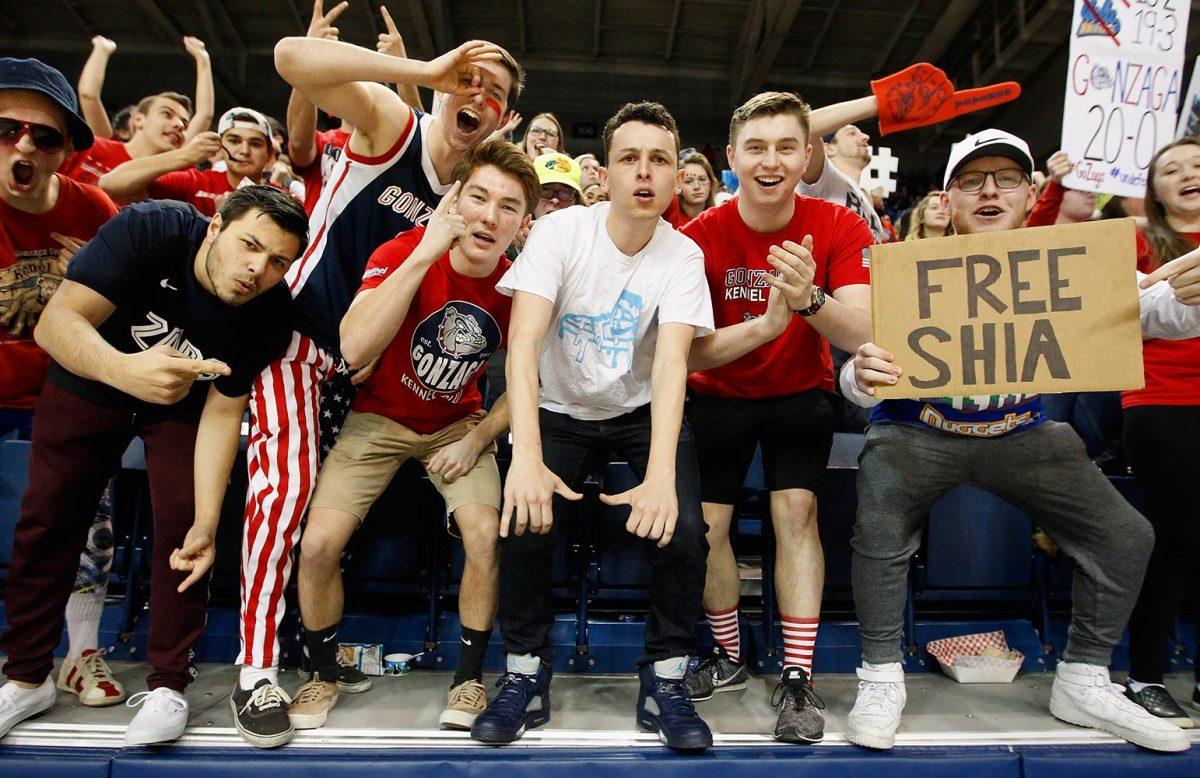 Gonzaga-Bulldogs-fans-632808856.jpg