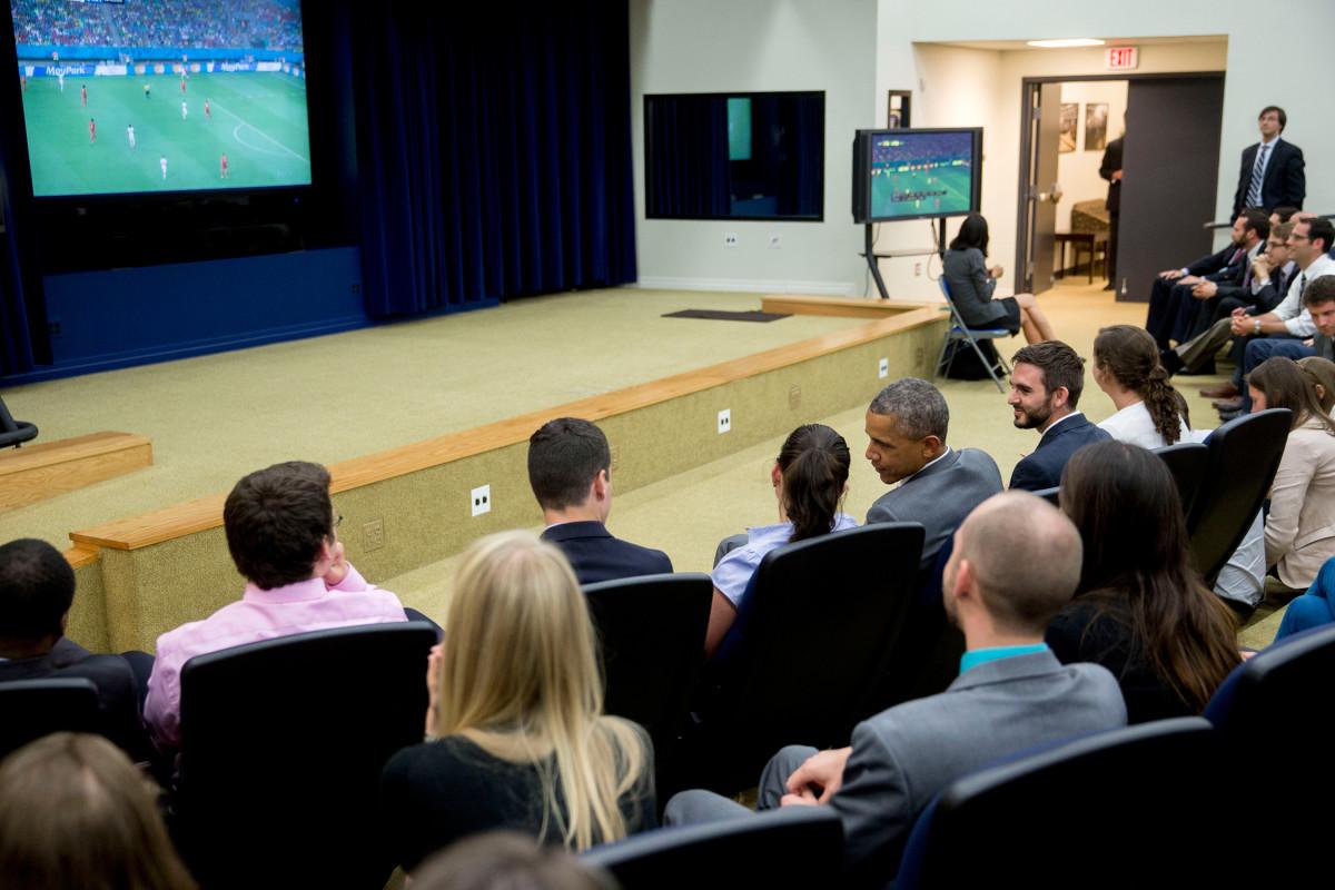 Obama-World-Cup-2014-USA-Belgium.jpg
