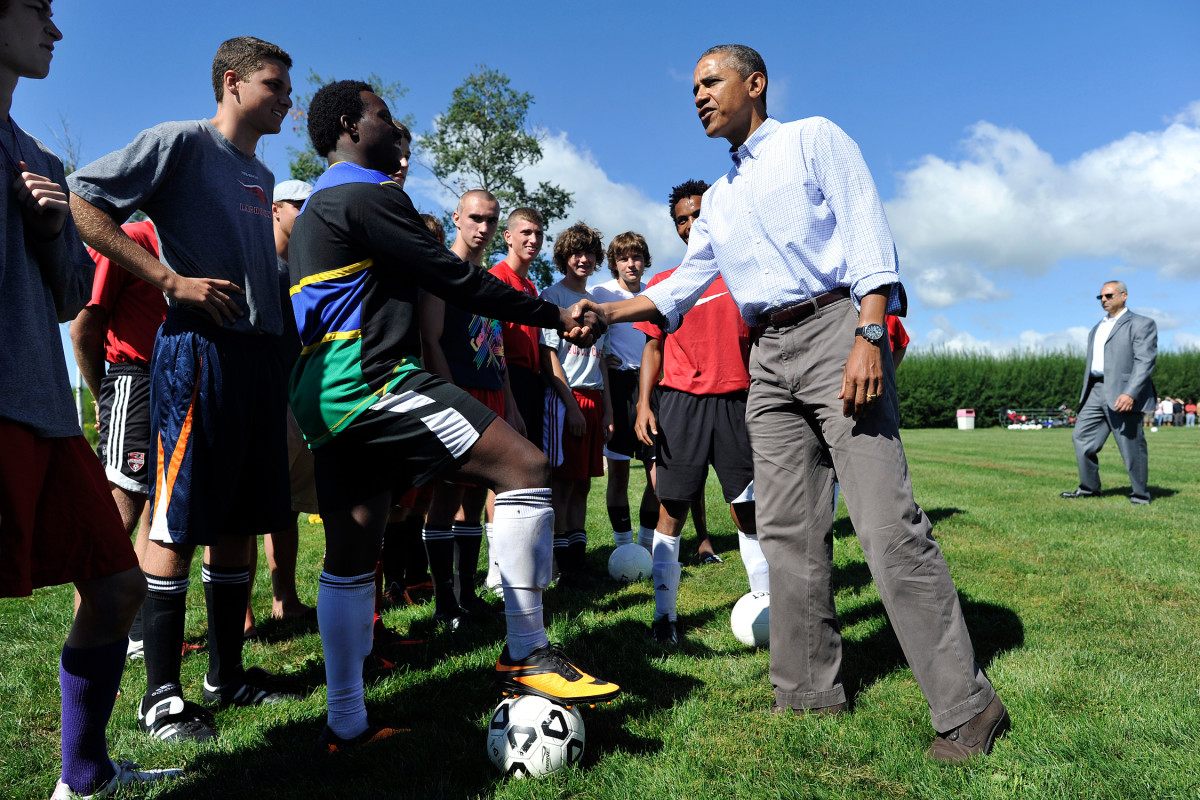 Obama-Soccer-HS-NY-2.jpg
