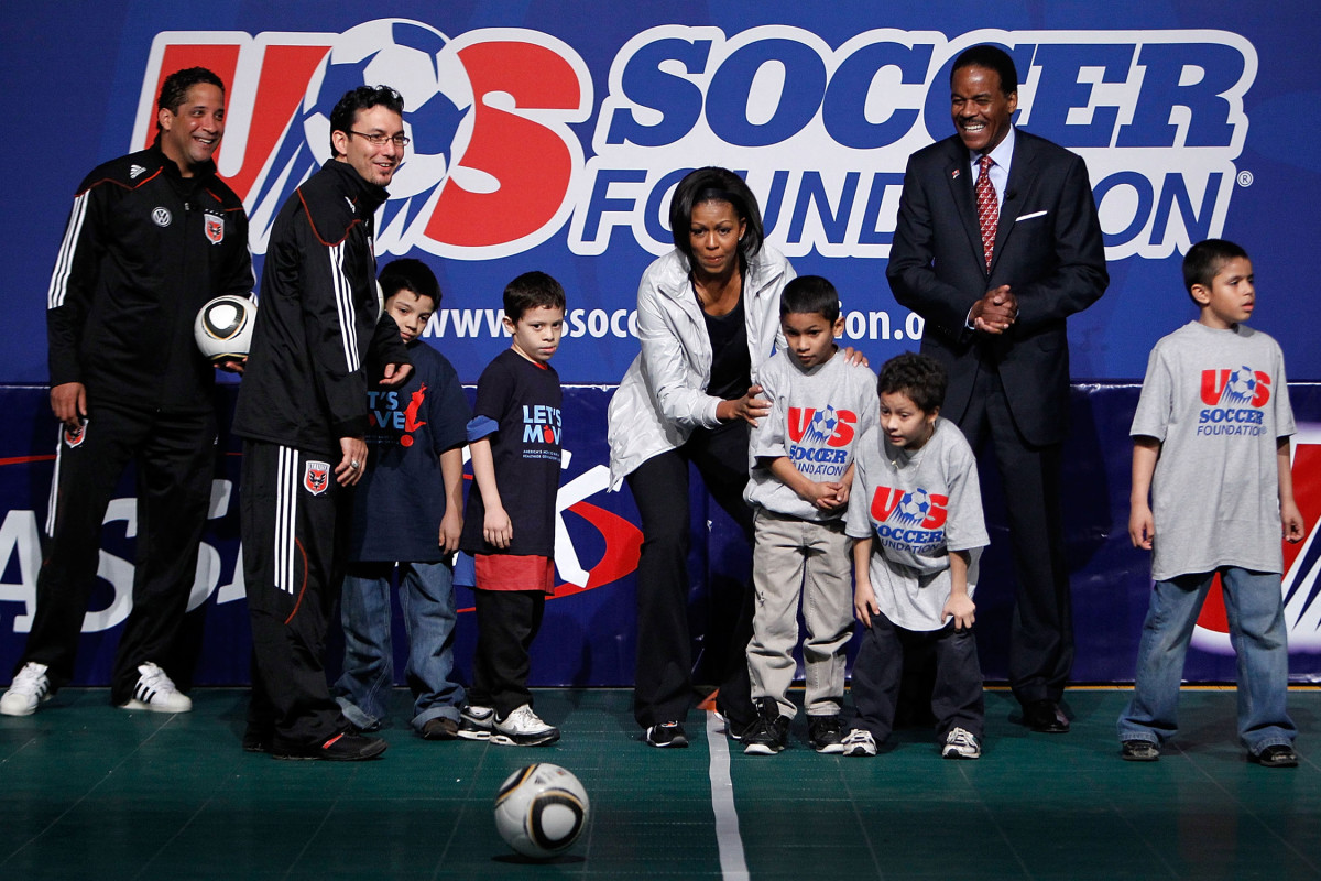 Michelle-Obama-US-Soccer-Foundation.jpg