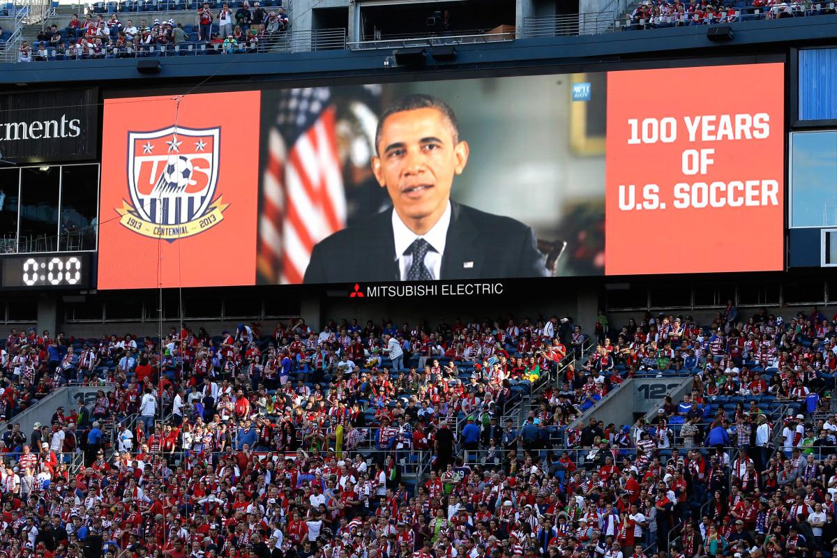 Obama-USMNT-2013-Seattle.jpg