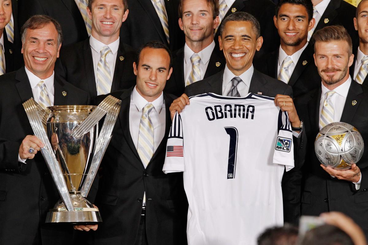 Obama-Galaxy-WH-Beckham-Donovan.jpg