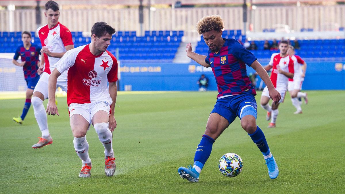 Konrad de la Fuente plays for Barcelona's Juvenil A team
