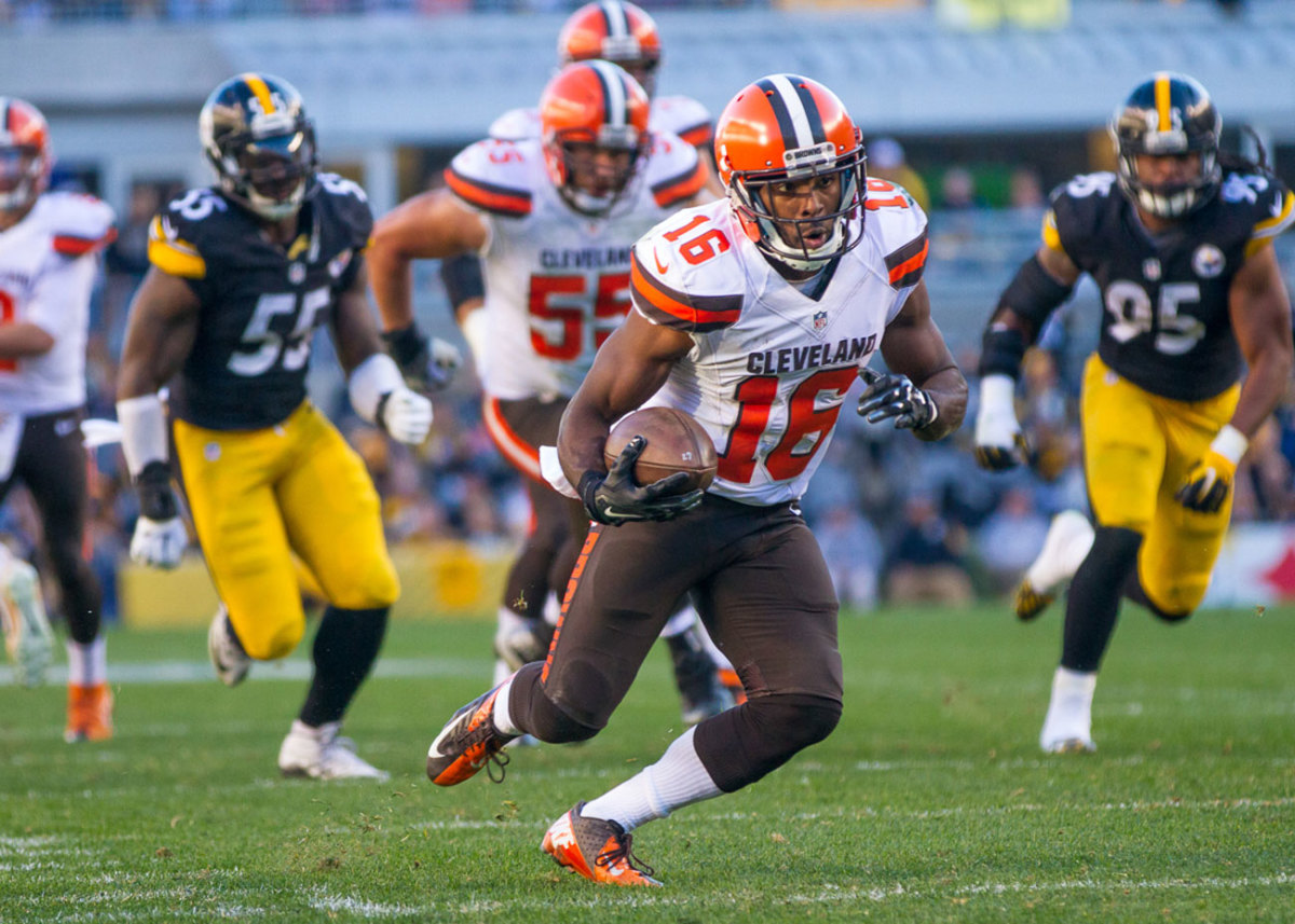 Hawkins led the Browns in receiving in 2014, but his '15 campaign was cut short by concussions.