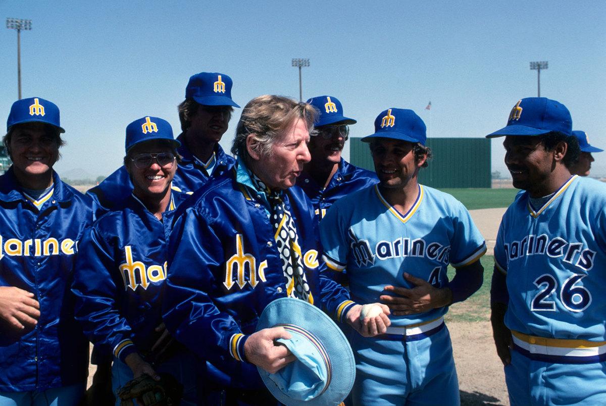 1977-Seattle-Mariners-owner-Danny-Kaye-079005857.jpg