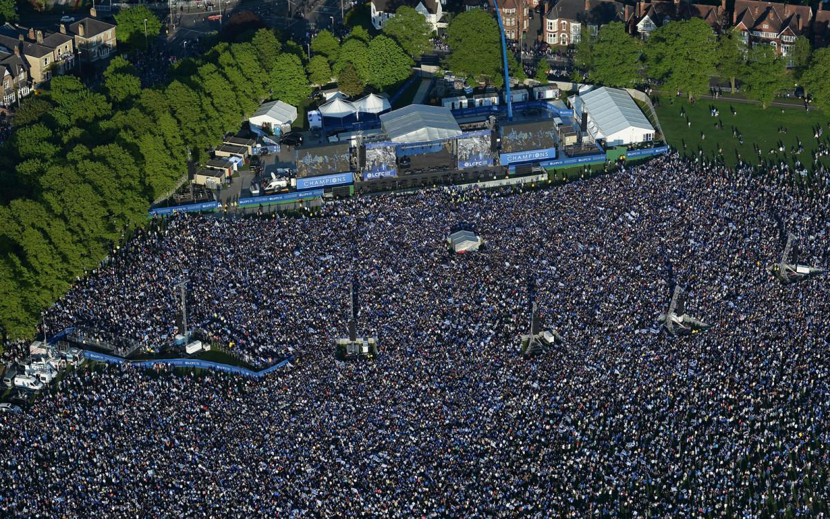leicester-parade-crowd.jpg