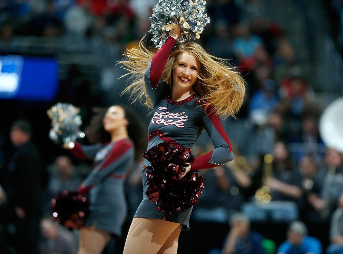 Arkansas-Little-Rock-cheerleaders-a67ce356defd42aa8d5403adfe249a45-0.jpg