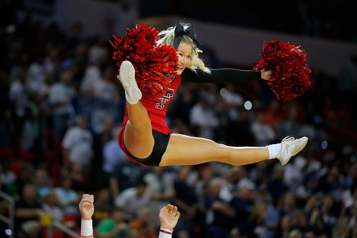Texas-Tech-cheerleaders-SI250_TK1_00366.jpg
