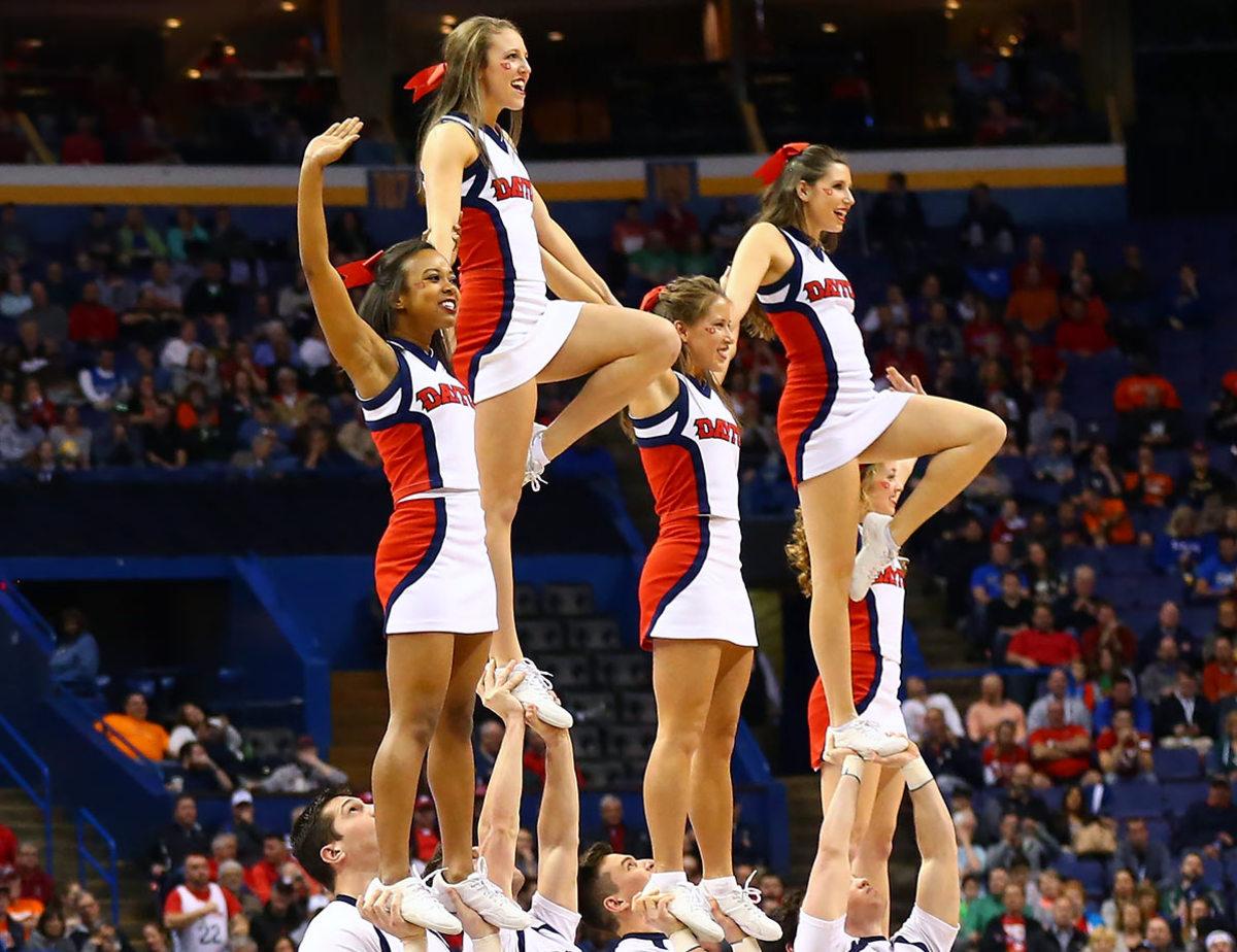 Dayton-cheerleaders-516347874.jpg