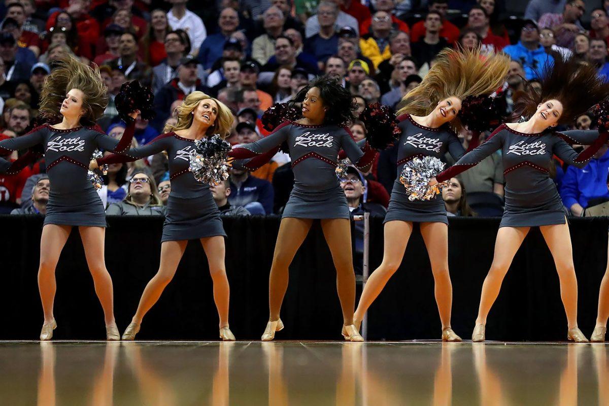 Arkansas-Little-Rock-cheerleaders-516570048.jpg