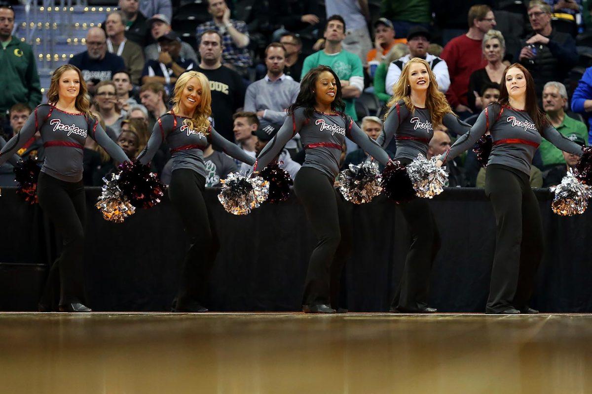 Arkansas-Little-Rock-cheerleaders-516193018.jpg
