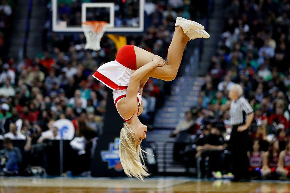 Utah-cheerleaders-516273454.jpg