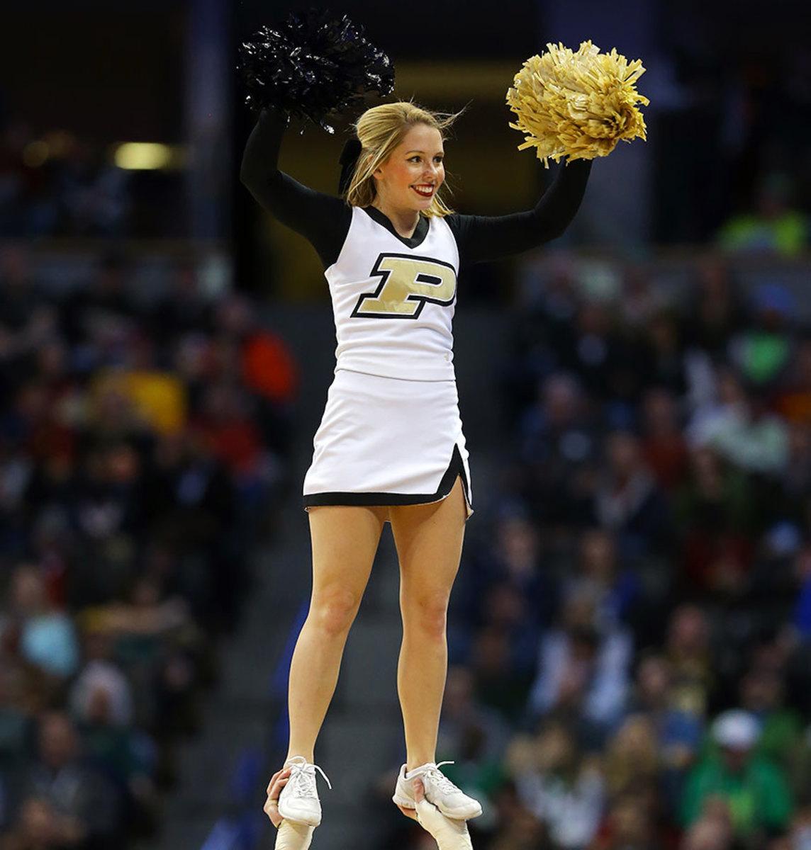 Purdue-cheerleaders-516195190.jpg