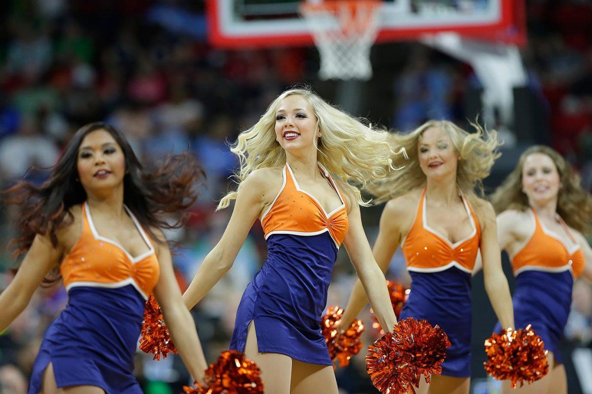 Virginia-cheerleaders-2deaae3bf8c840ed9939f0ecd919a9cb-0.jpg