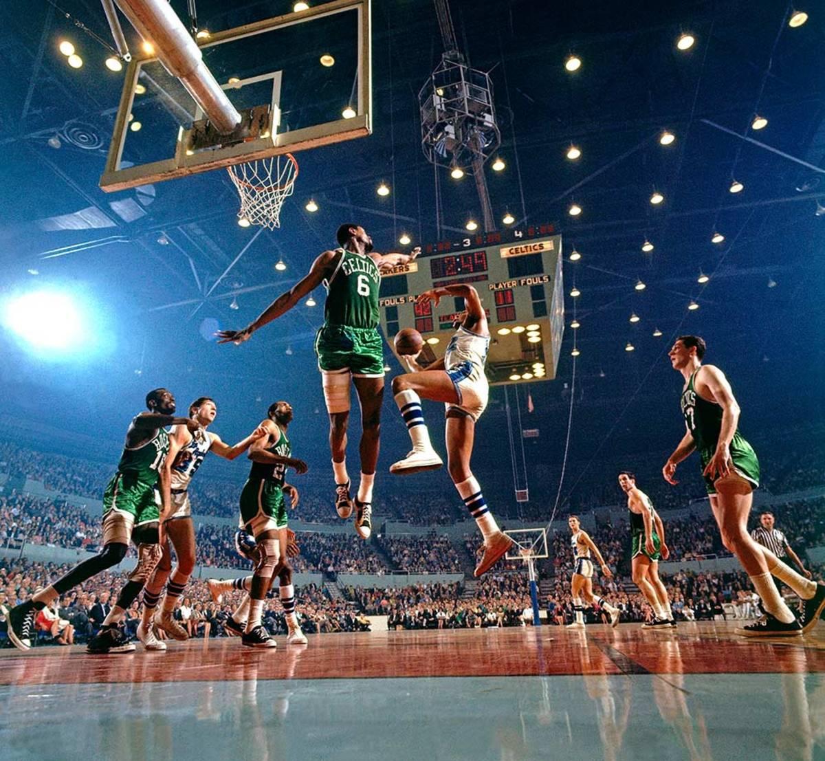 1966-Elgin-Baylor-Bill-Russell-017079631.jpg