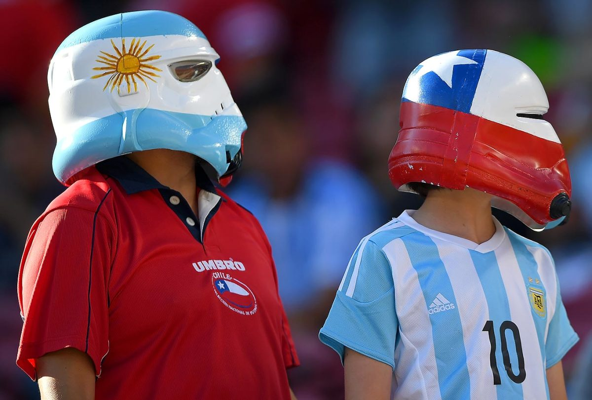 Argentina-and-Chile-fans-538494920.jpg