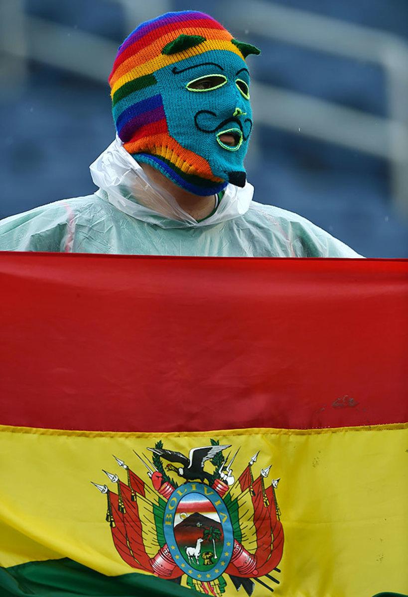 Bolivia-fan-GettyImages-538426108.jpg