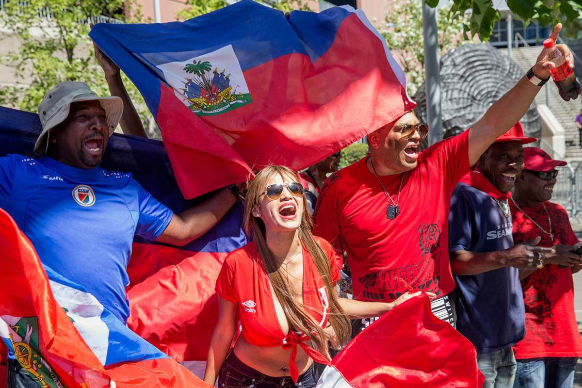 Haiti-and-Peru-fans-GettyImages-538117918_master.jpg