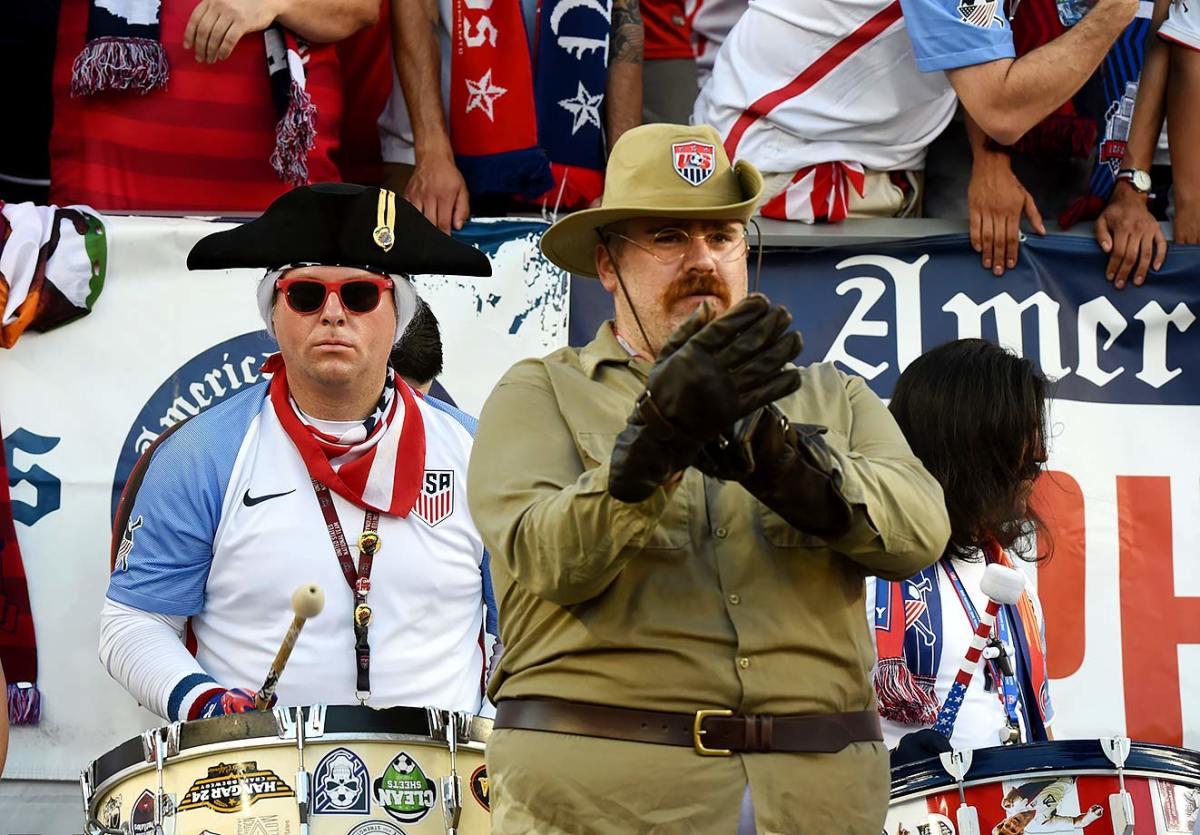 USA-fans-GettyImages-537963692_master.jpg