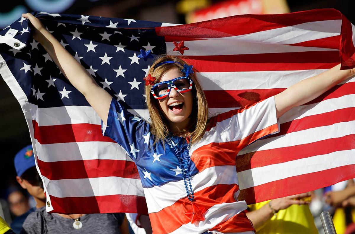 USA-fans-d0f5a47b91dc449dbeec39aa8866a114-0.jpg