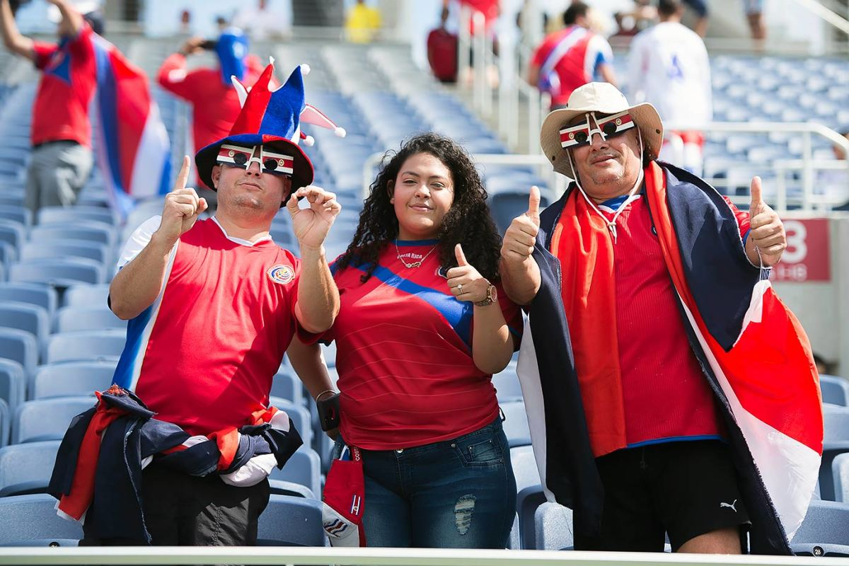 Costa-Rica-fans-GettyImages-538099822_master.jpg