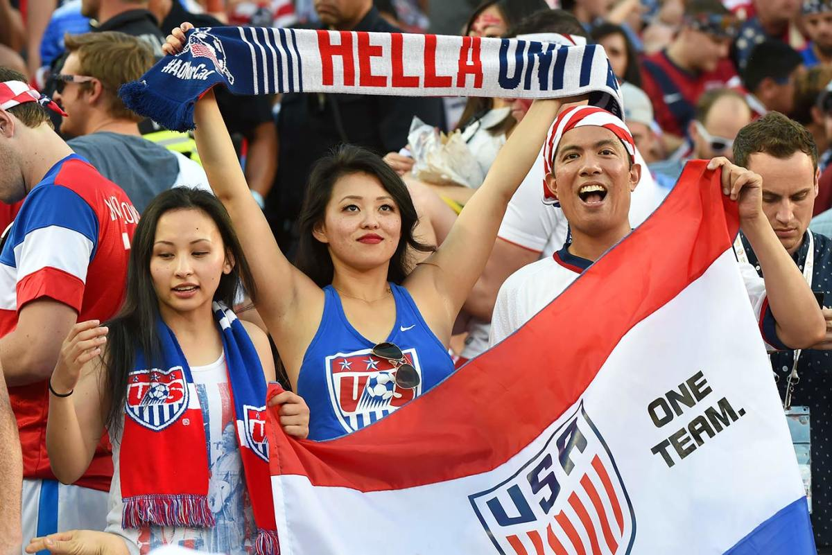 USA-fans-GettyImages-537963854_master.jpg